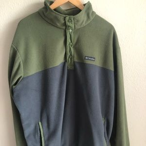 Two tone Columbia pullover